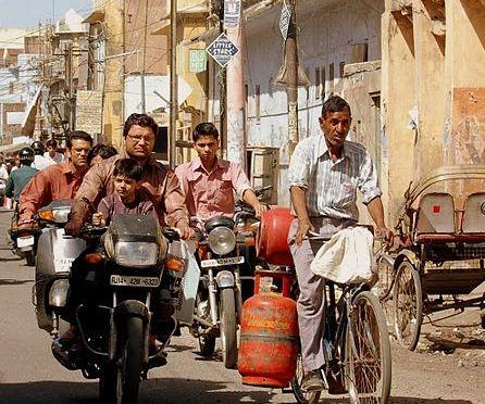 Posłuchaj: Indie, Jaipur, nastrój ulicy